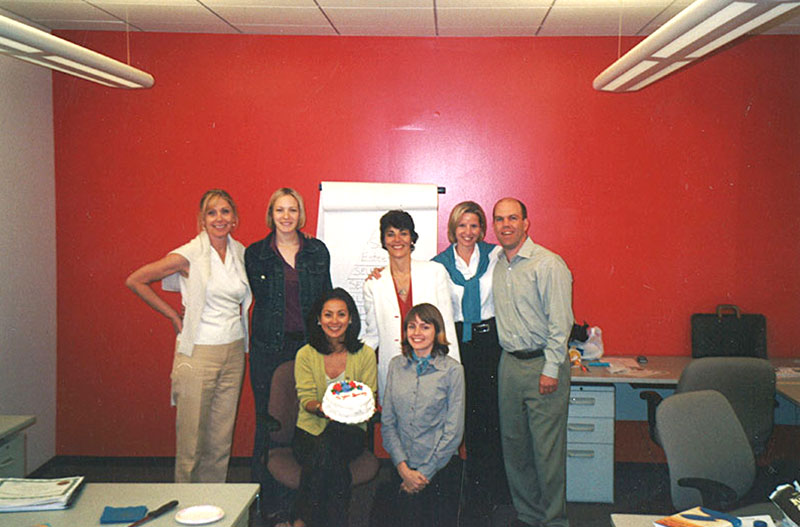 Paula-Pagano-with-sales-team